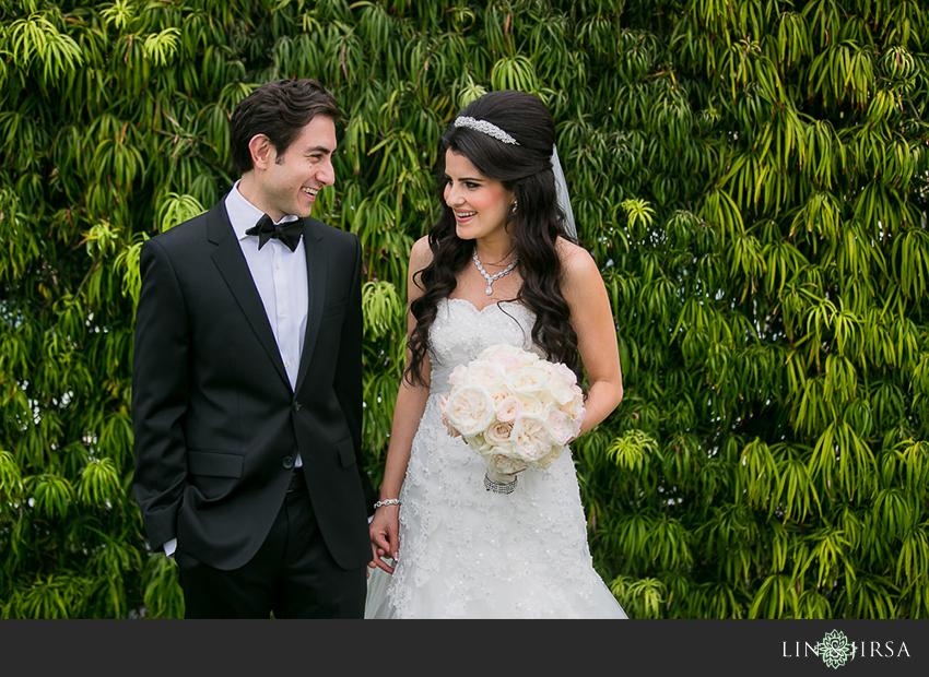 16-balboa-bay-club-newport-beach-wedding-photographer-first-look-couple-session-photos