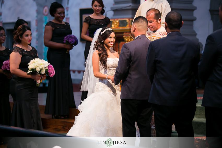 16-mission-basilica-san-juan-capistrano-wedding-ceremony-photographer