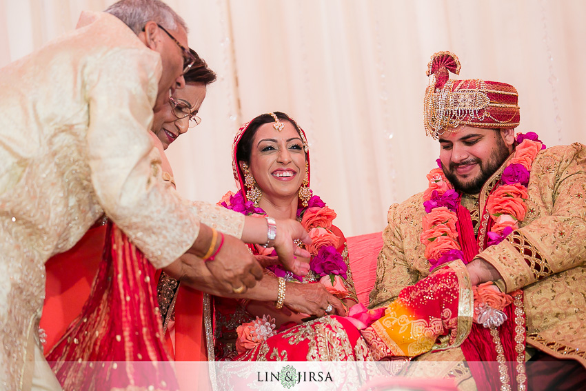 17-jw-marriott-los-angeles-indian-wedding-ceremony-photographer