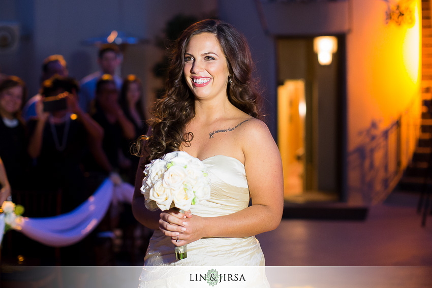 17-oviatt-penthouse-los-angeles-wedding-photographer-wedding-ceremony-photos