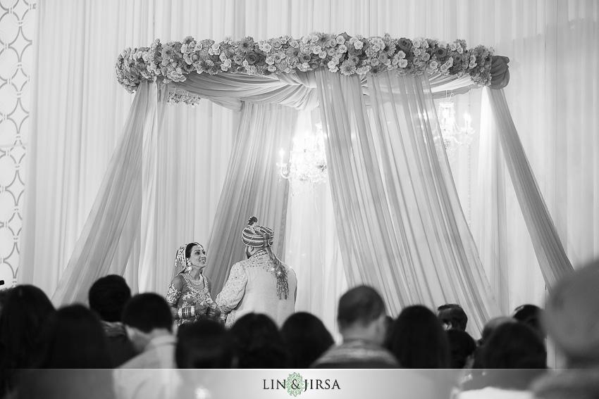 19-jw-marriott-los-angeles-indian-wedding-ceremony-photographer
