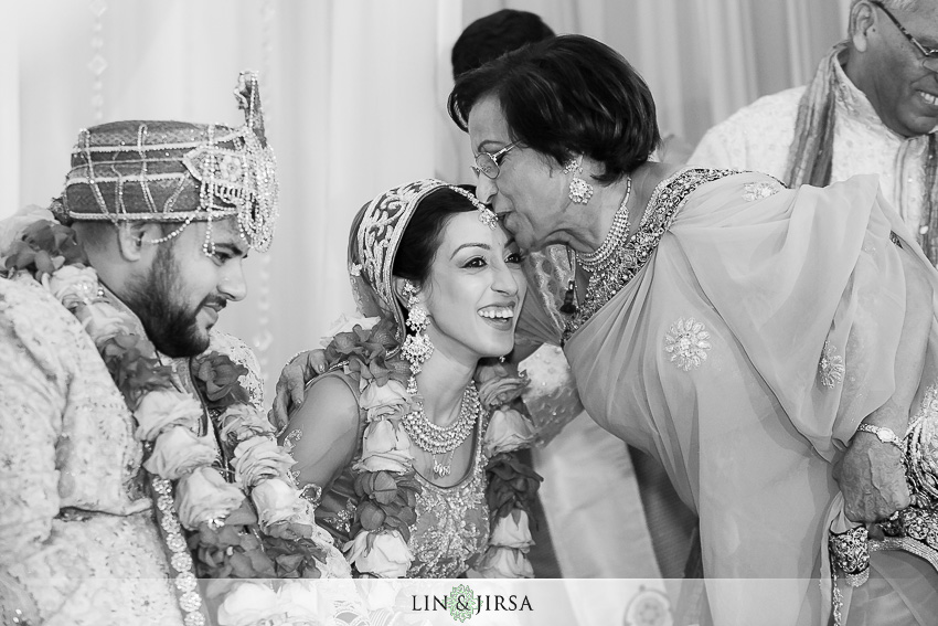 20-jw-marriott-los-angeles-indian-wedding-ceremony-photographer