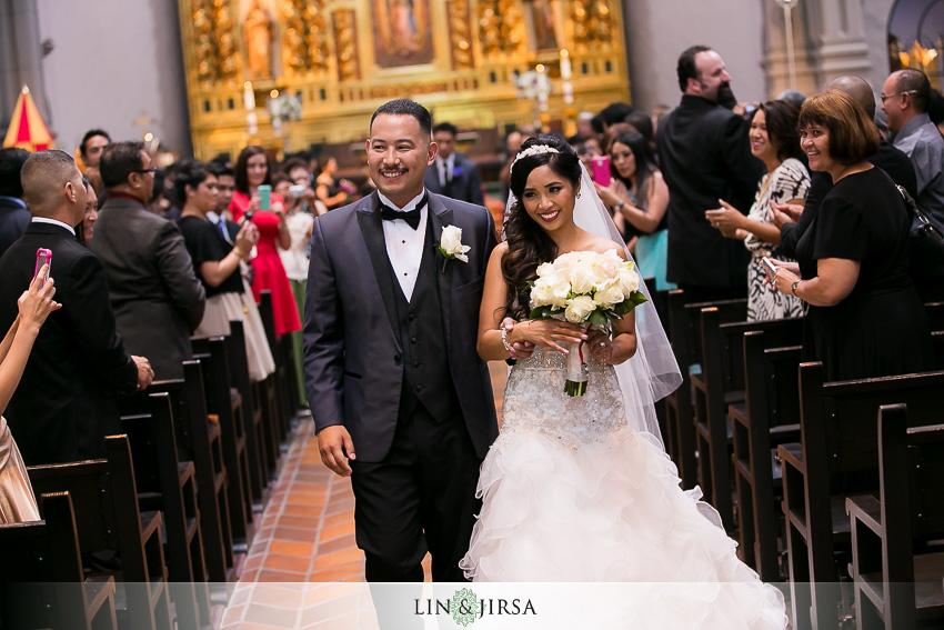 21-mission-basilica-san-juan-capistrano-wedding-ceremony-photographer