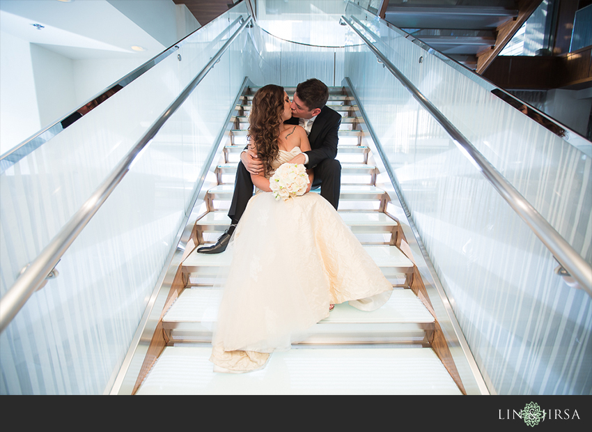 24-oviatt-penthouse-los-angeles-wedding-photographer-couple-session-photos