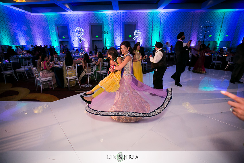 46-fun-los-angeles-indian-wedding-reception-photos