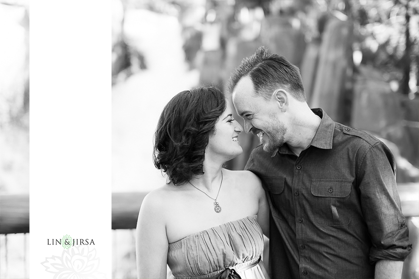 002-happiest-place-on-earth-engagement-photos