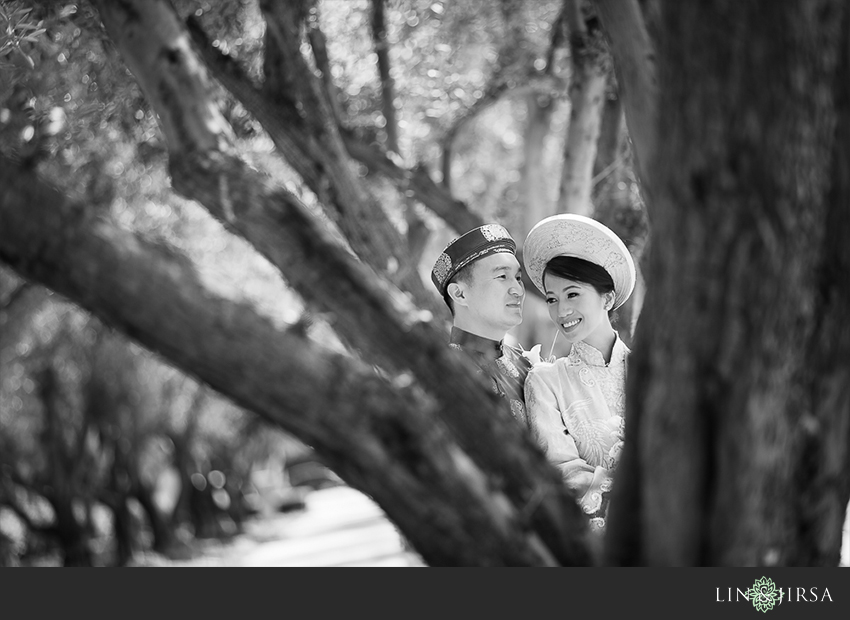 002-turnip-rose-promenade-and-gardens-costa-mesa-wedding-photographer-getting-ready-photos