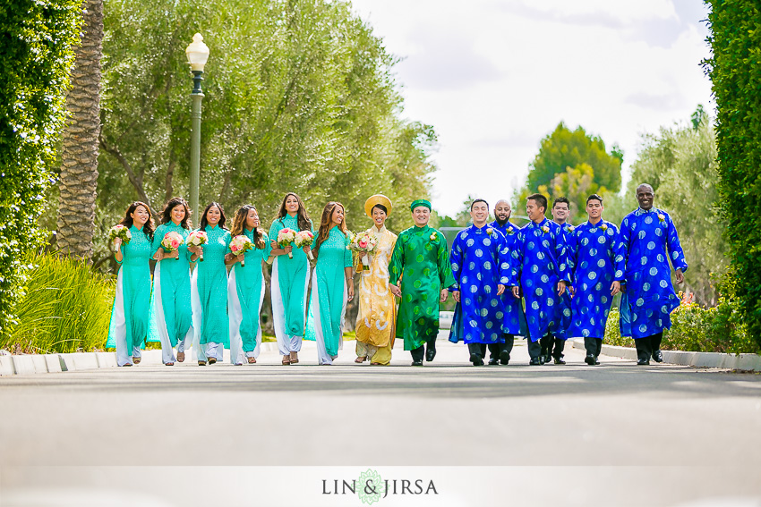 004-turnip-rose-promenade-and-gardens-costa-mesa-wedding-photographer-getting-ready-photos