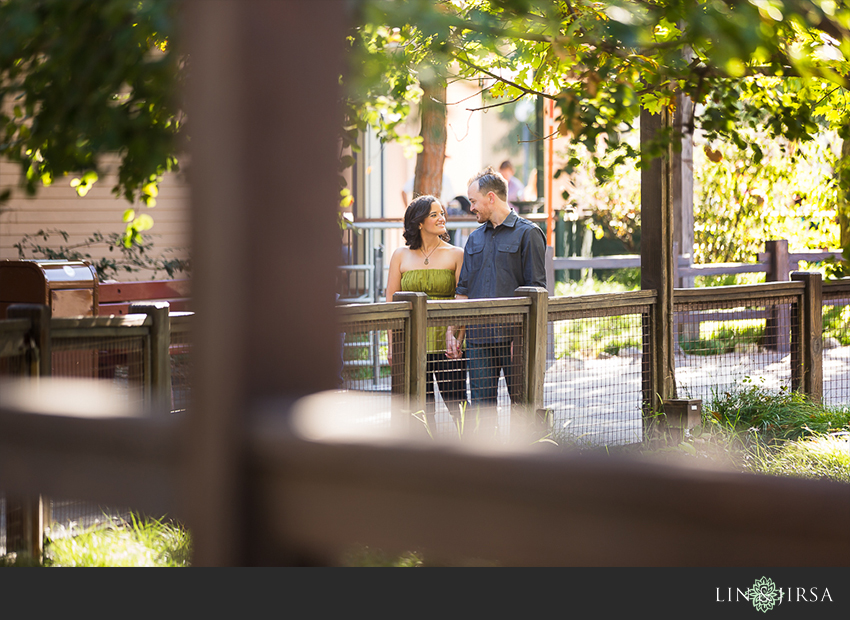 007-happiest-place-on-earth-engagement-photos
