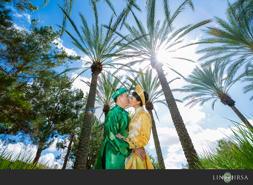 008-turnip-rose-promenade-and-gardens-costa-mesa-wedding-photographer-getting-ready-photos