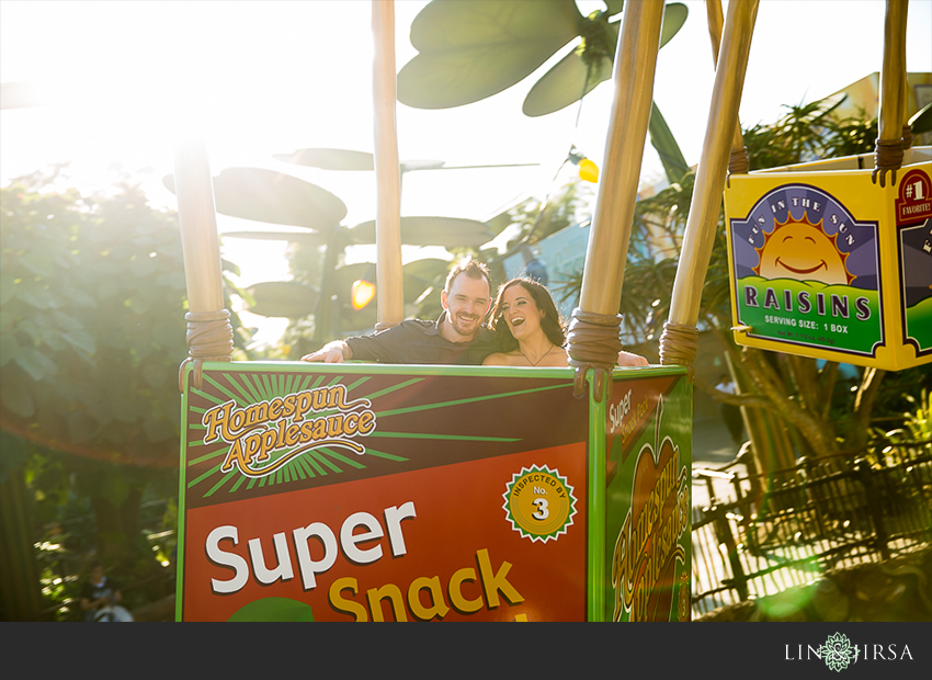 011-happiest-place-on-earth-engagement-photos