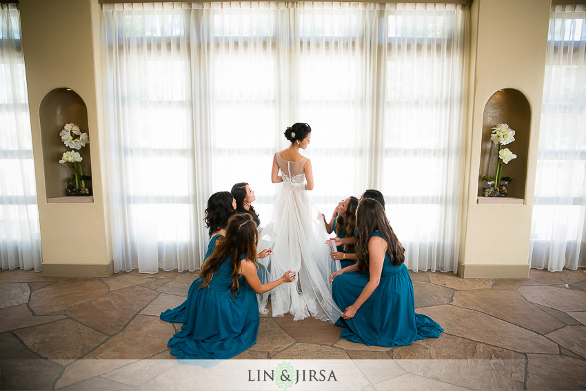 012-turnip-rose-promenade-and-gardens-costa-mesa-wedding-photographer-getting-ready-photos