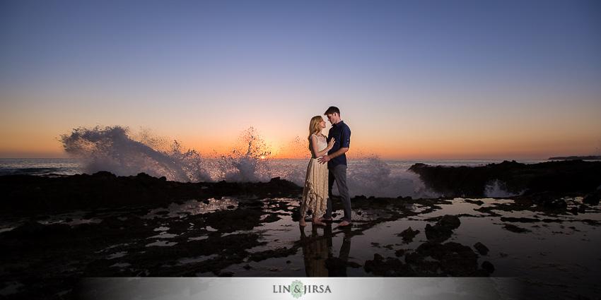 014-beautiful-sunset-laguna-beach-engagement-photographer