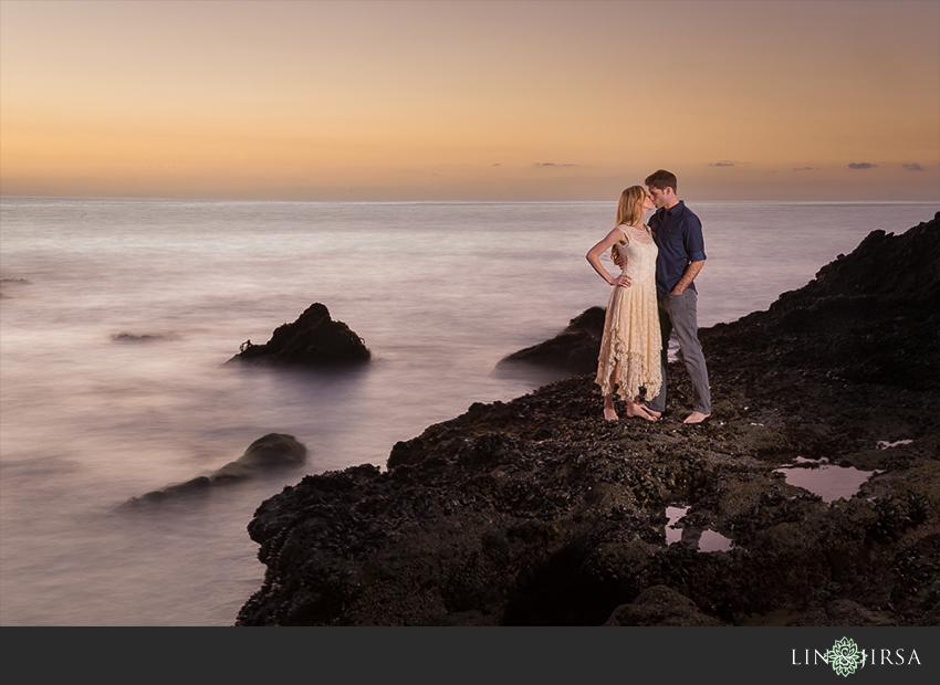 015-beautiful-sunset-laguna-beach-engagement-photographer