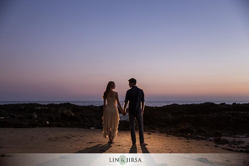 016-beautiful-sunset-laguna-beach-engagement-photographer