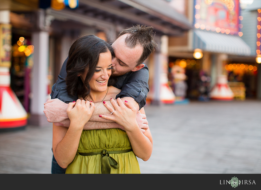 019-happiest-place-on-earth-engagement-photos