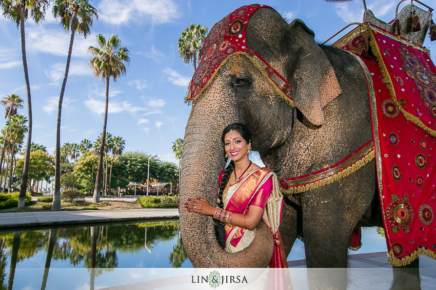 019-hyatt-regency-long-beach-indian-wedding-photographer-first-look-couple-session-photos