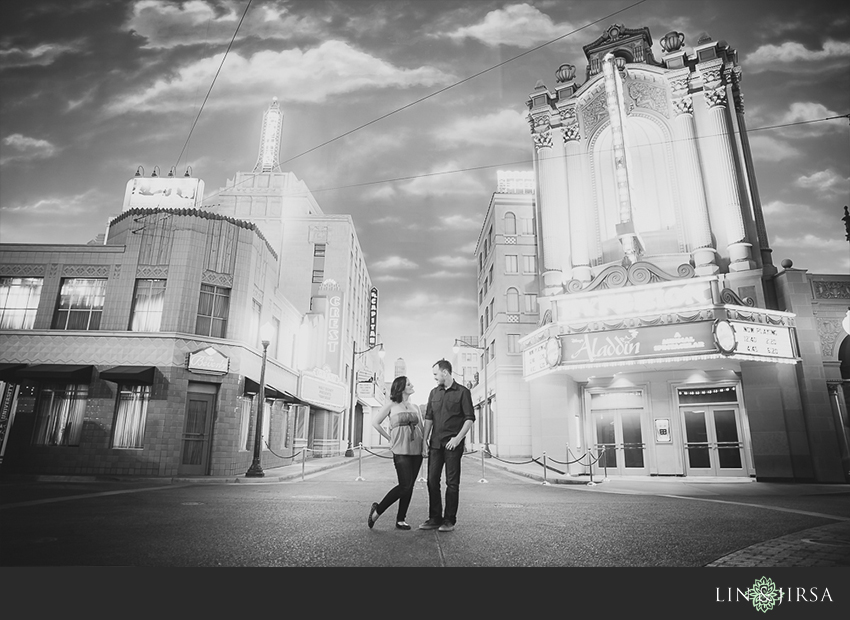 021-happiest-place-on-earth-engagement-photos