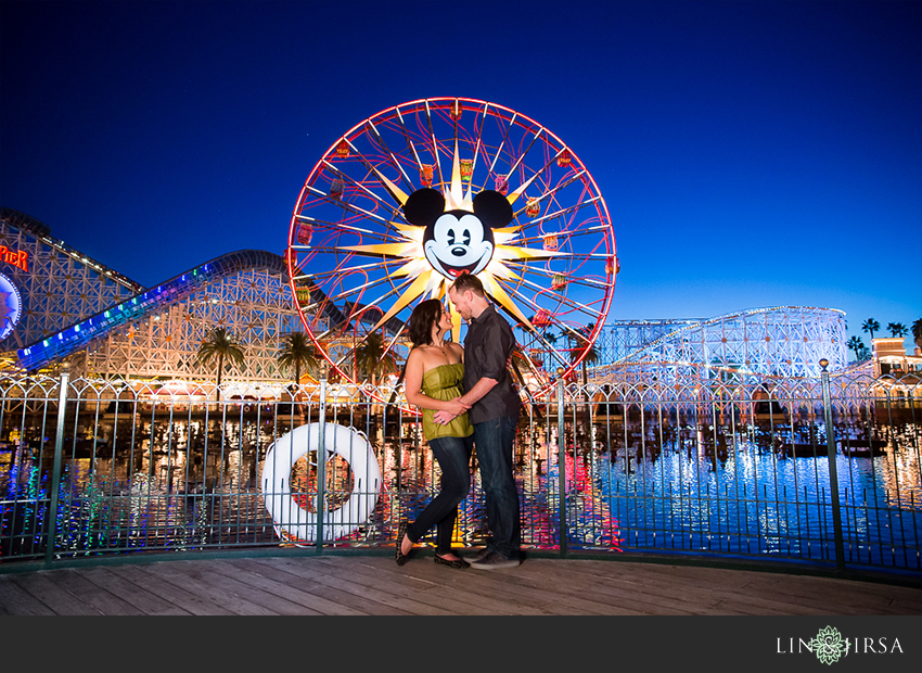 022-happiest-place-on-earth-engagement-photos