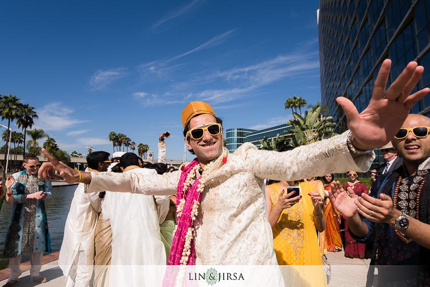 024-hyatt-regency-long-beach-indian-wedding-photographer-baraat-photos