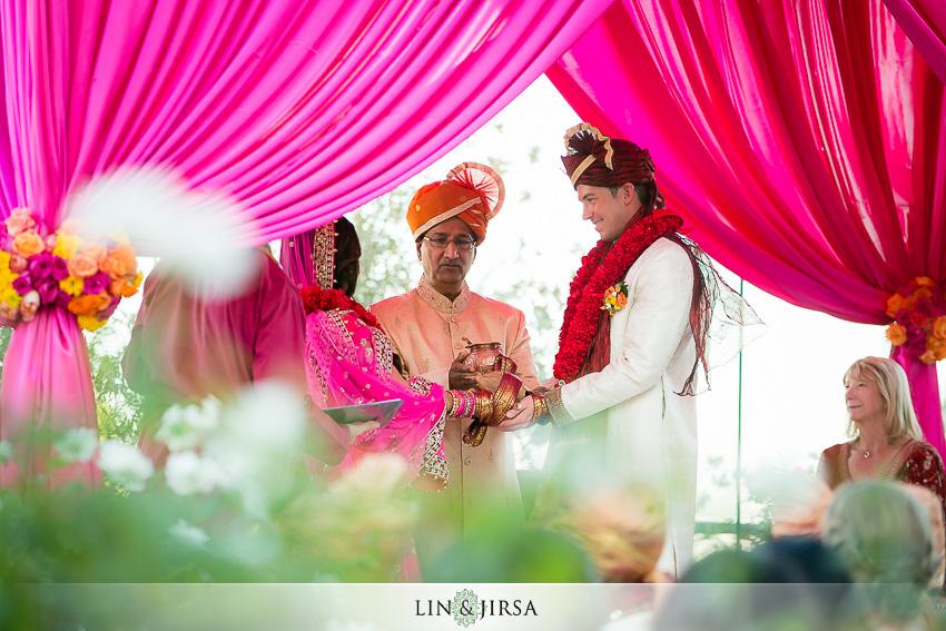 029-the-london-west-hollywood-indian-wedding-photographer-wedding-ceremony-photos