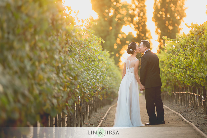 040-turnip-rose-promenade-and-gardens-costa-mesa-wedding-photographer-gorgeous-outdoor-couple-session-photos