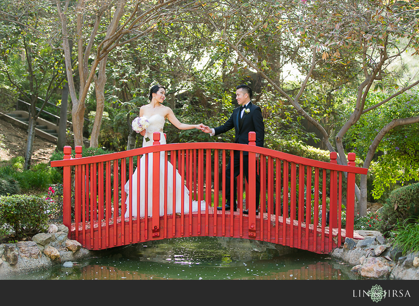 12-private-estate-orange-couty-wedding-photographer-first-look-couple-session-photos