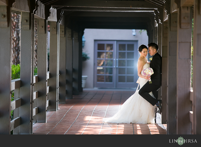14-private-estate-orange-couty-wedding-photographer-first-look-couple-session-photos