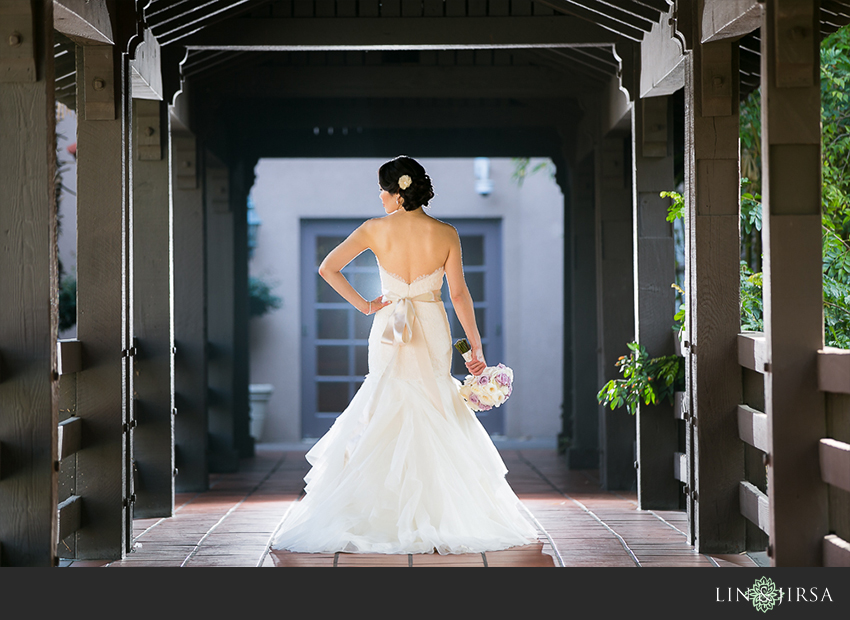 15-private-estate-orange-couty-wedding-photographer-first-look-couple-session-photos