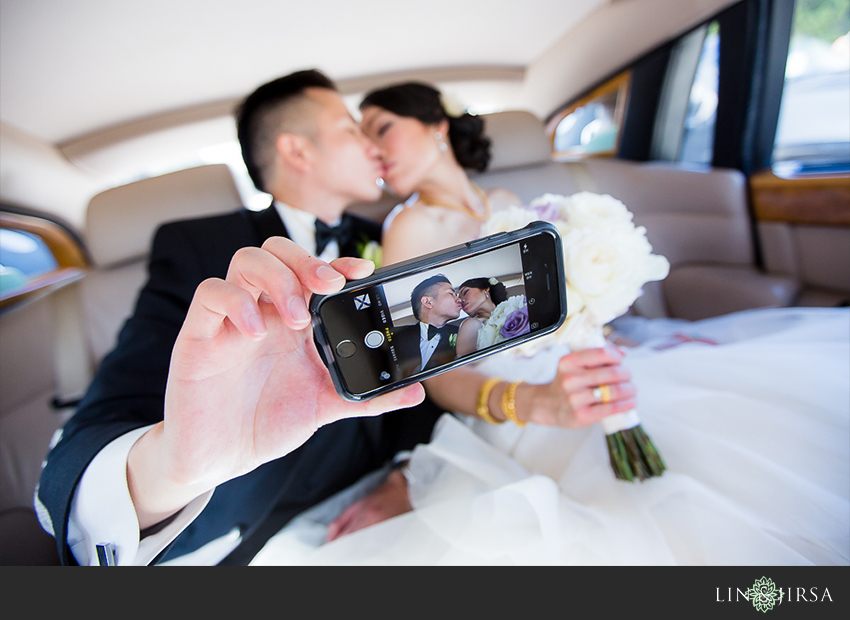17-private-estate-orange-couty-wedding-photographer-first-look-couple-session-photos
