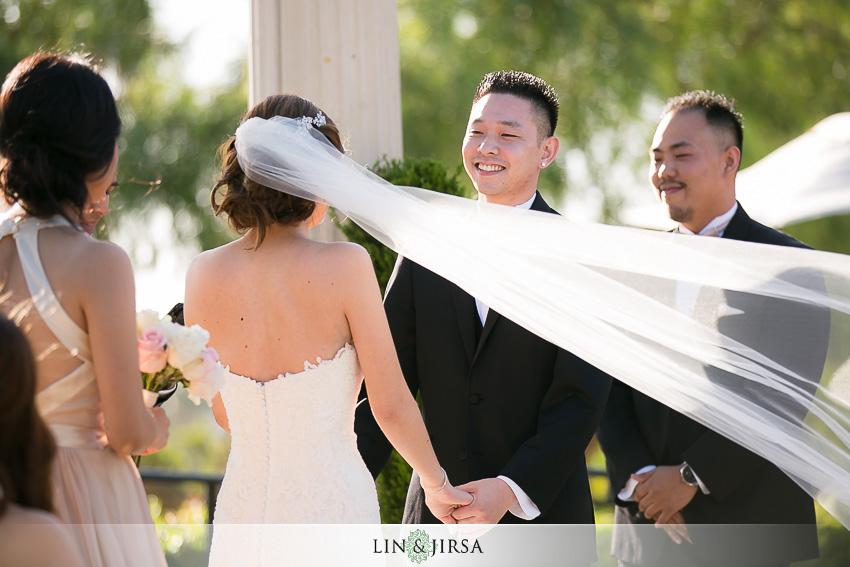 18-newport-beach-marriott-wedding-photographer-wedding-ceremony-photos
