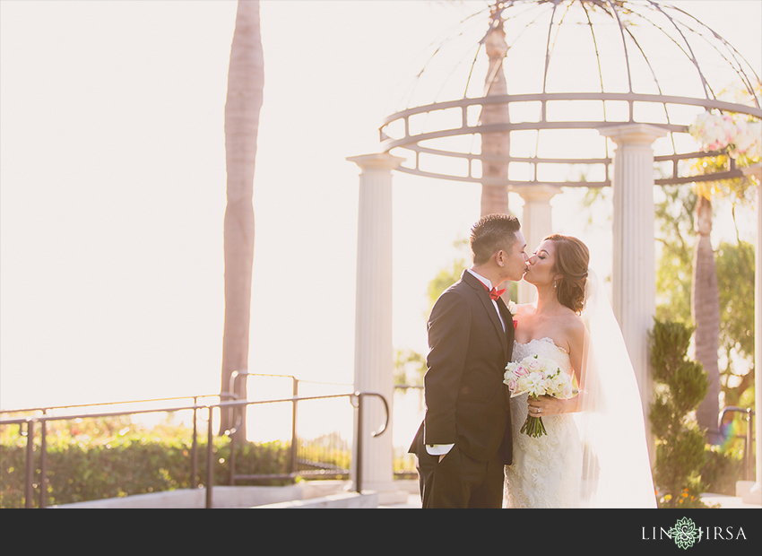 25-newport-beach-marriott-wedding-photographer-wedding-party-couple-session-photos