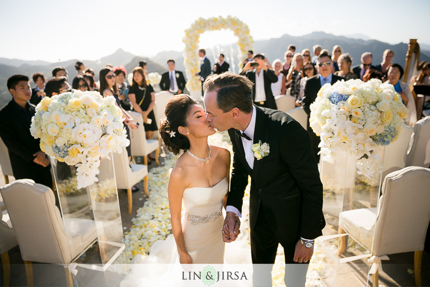 26-malibu-vineyard-estate-wedding-photographer-wedding-ceremony-photos