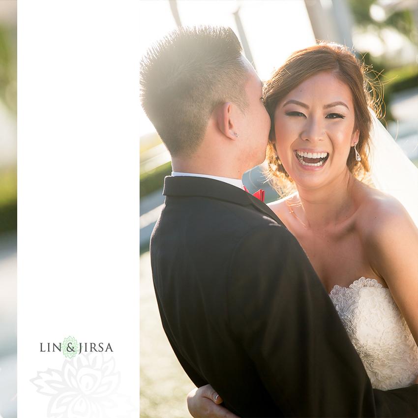 26-newport-beach-marriott-wedding-photographer-wedding-party-couple-session-photos