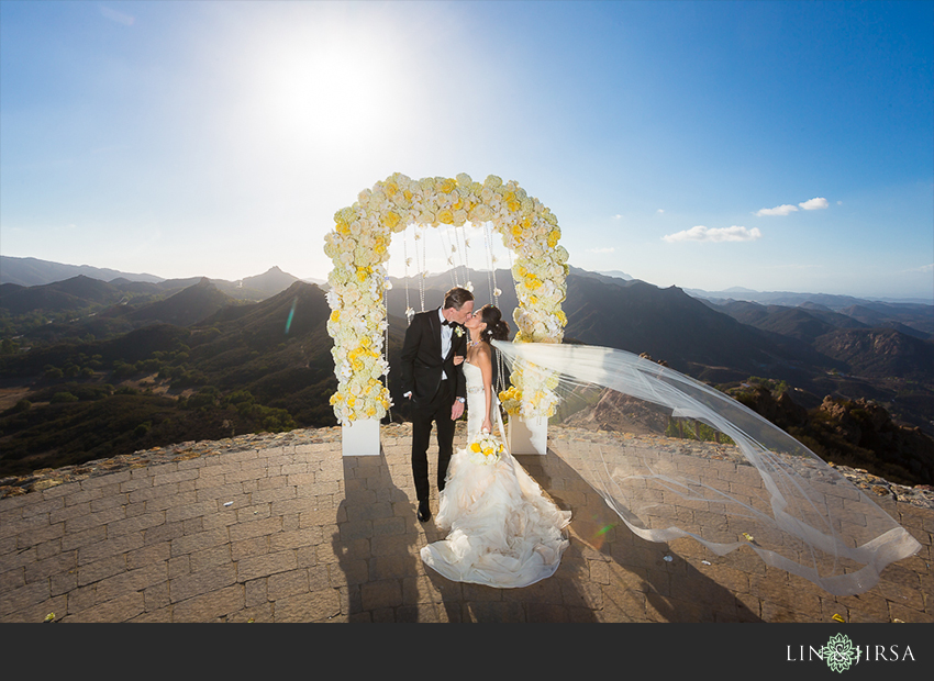 27-malibu-vineyard-estate-wedding-photographer-wedding-ceremony-photos