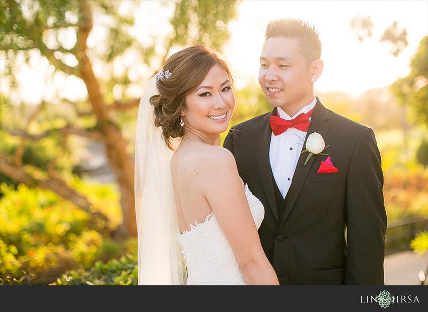 31-newport-beach-marriott-wedding-photographer-wedding-party-couple-session-photos