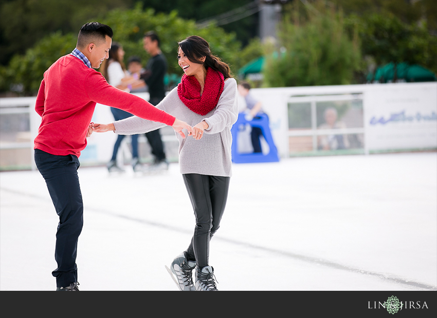 01-fun-romantic-los-angeles-ice-skating-engagement-photos
