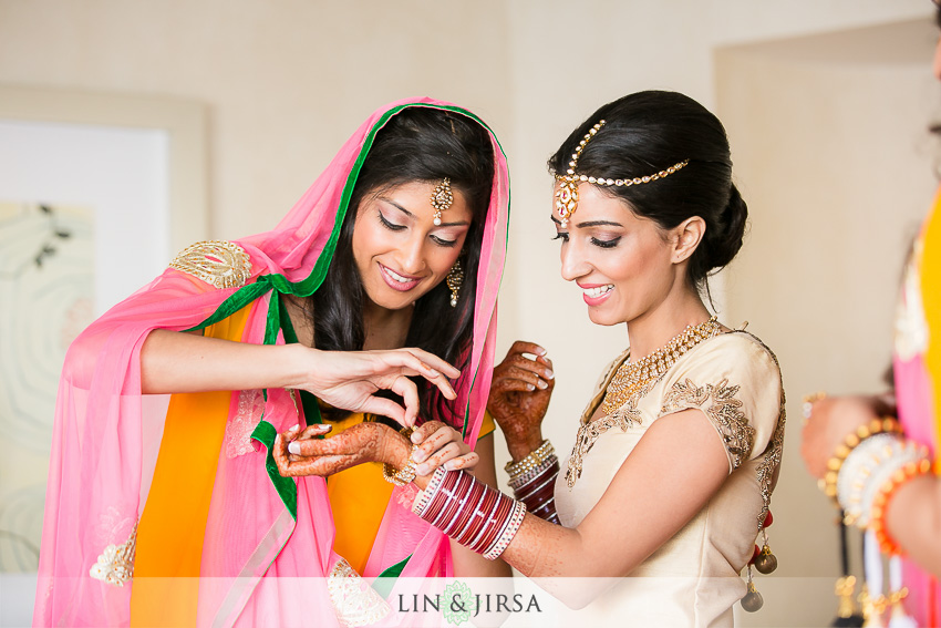 03-loews-coronado-bay-resort-indian-wedding-photographer-getting-ready-photos
