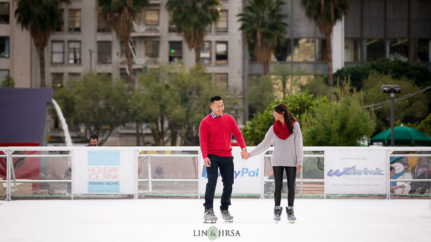 04-fun-romantic-los-angeles-ice-skating-engagement-photos