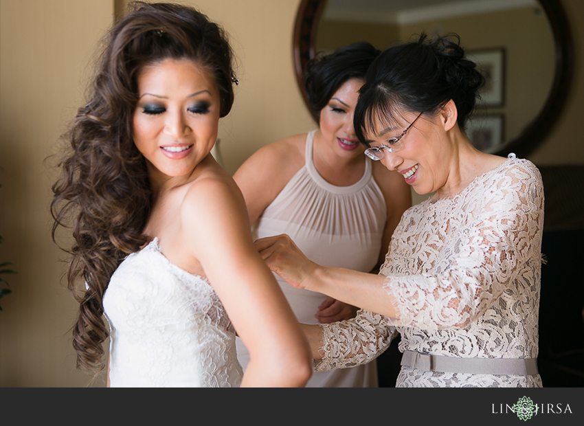06-the-langham-huntington-pasadena-wedding-photographer-getting-ready-photos