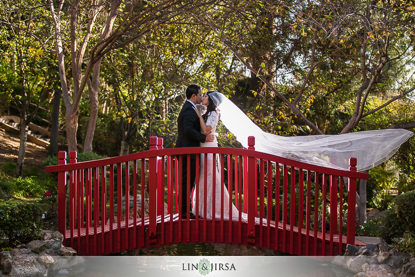 09-the-langham-huntington-pasadena-wedding-photographer-first-look-couple-session-photos
