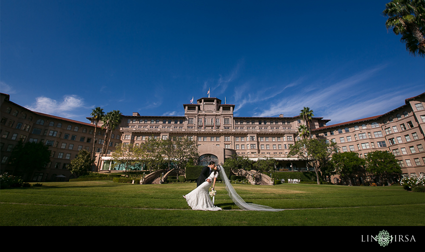 10-the-langham-huntington-pasadena-wedding-photographer-first-look-couple-session-photos