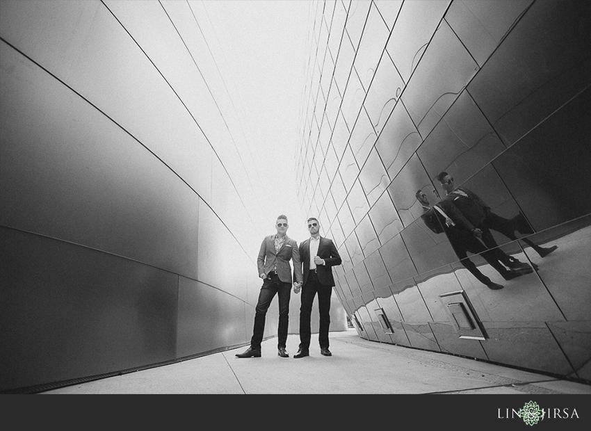 11-gorgeous-walt-disney-concert-hall-engagement-photographer