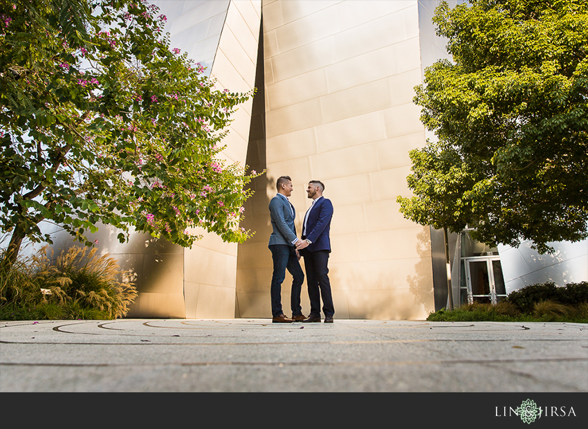 12-gorgeous-walt-disney-concert-hall-engagement-photographer