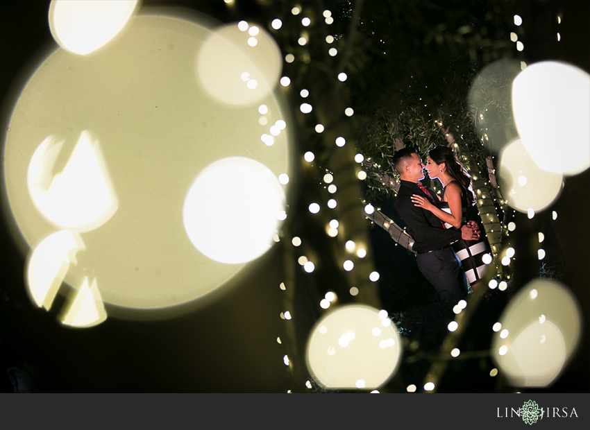 14-fun-romantic-los-angeles-ice-skating-engagement-photos