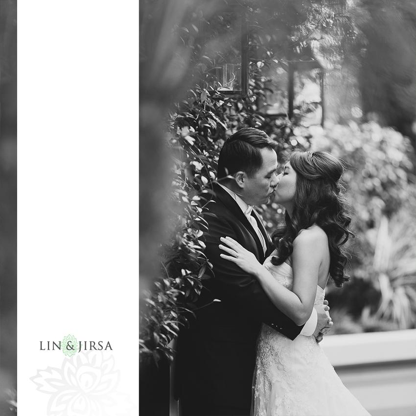 14-st-monica-catholic-church-santa-monica-wedding-photographer-first-look-couple-session-photos