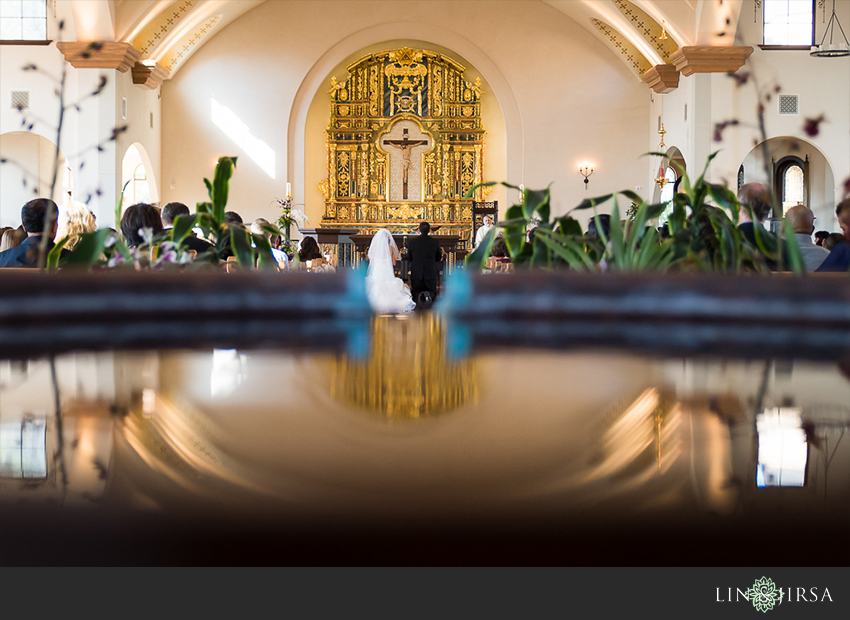 20-st-gabriel-catholic-church-wedding-photographer-wedding-ceremony-photos