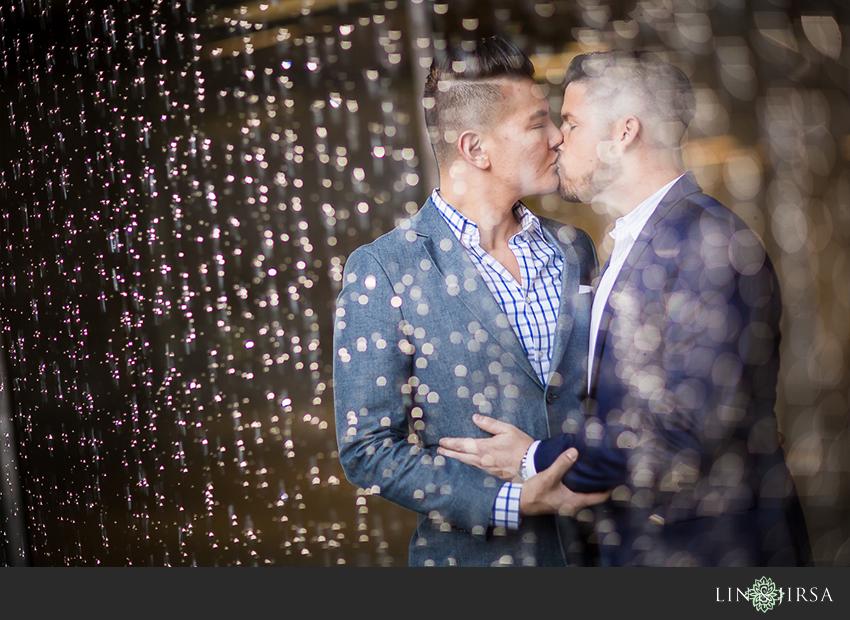 22-gorgeous-walt-disney-concert-hall-engagement-photographer