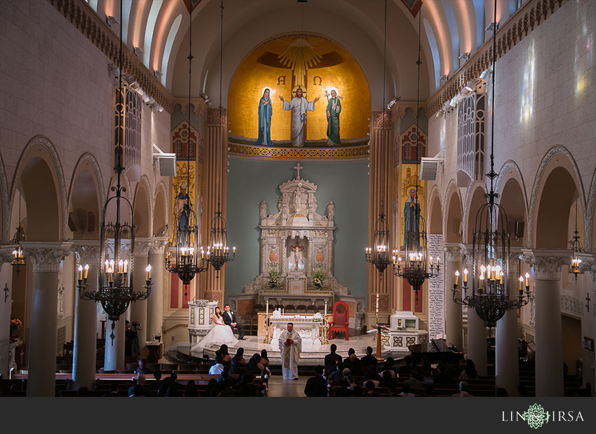25-st-monica-catholic-church-santa-monica-wedding-photographer-wedding-ceremony-photos