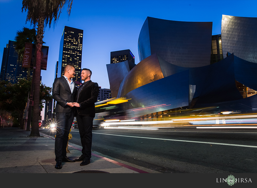 26-gorgeous-walt-disney-concert-hall-engagement-photographer